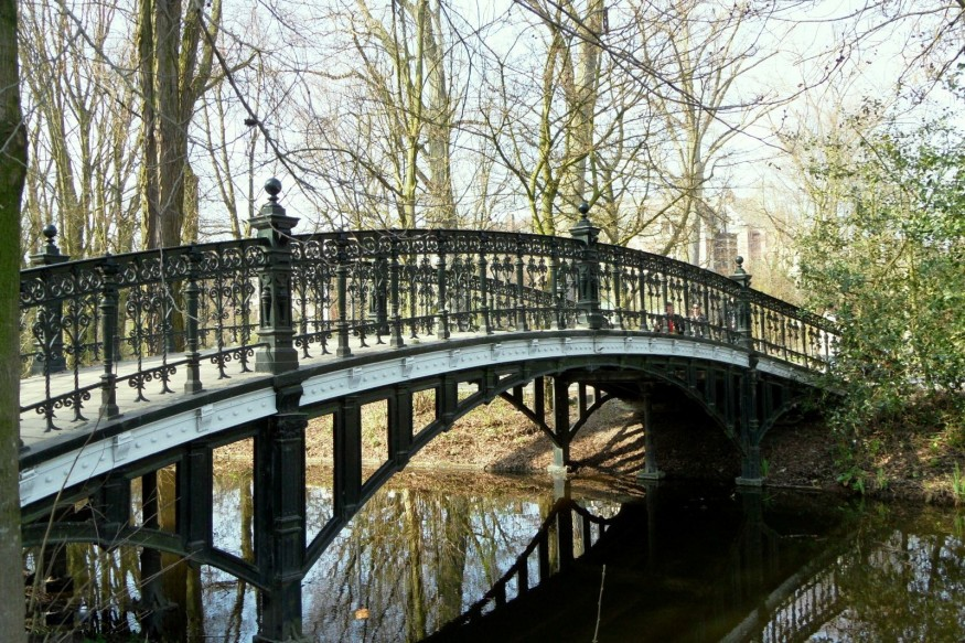 Amstrdam-Vondelpark-Bridge-Tour-875x583