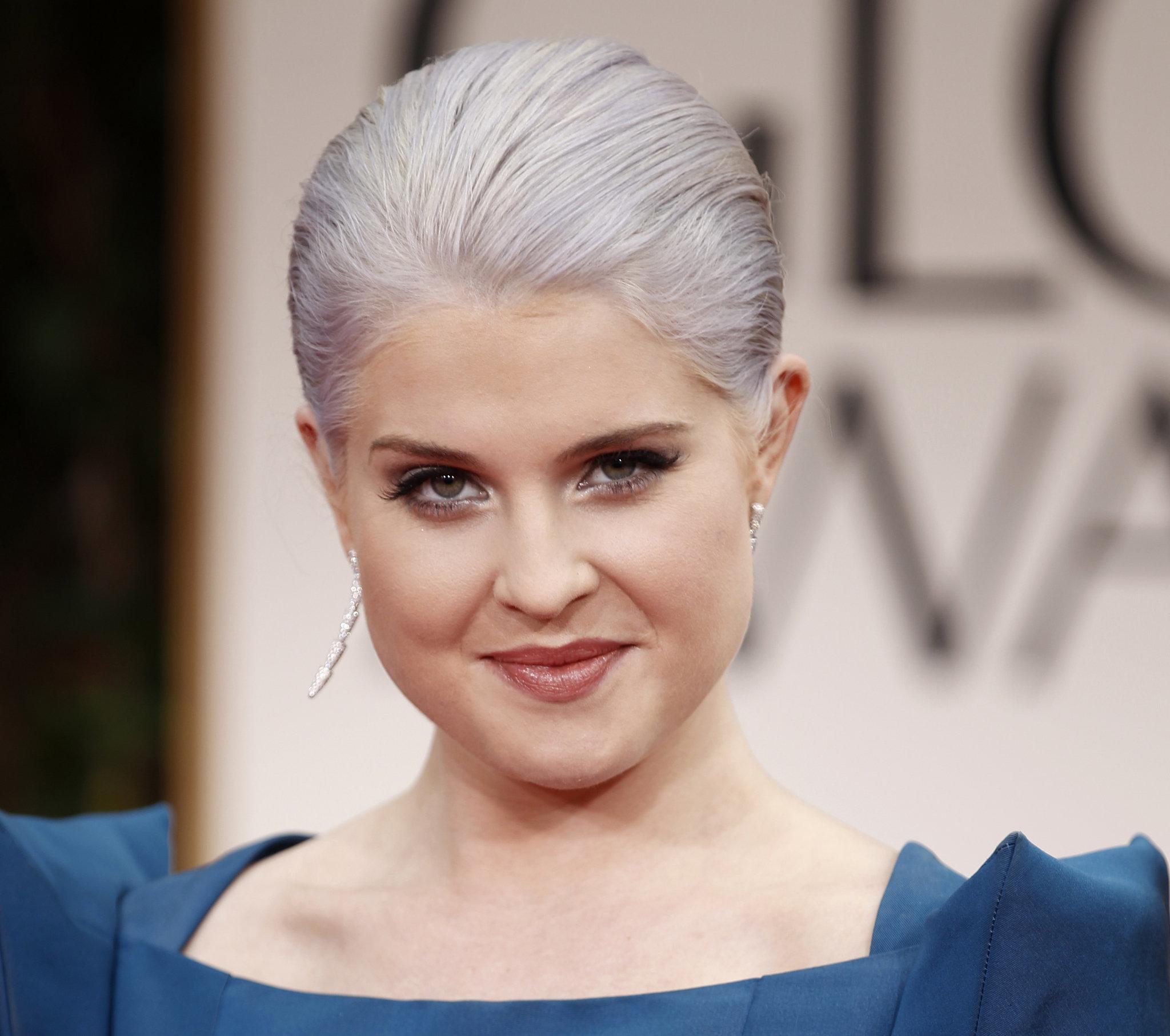 Yeni Trend Beyaz Saçlar