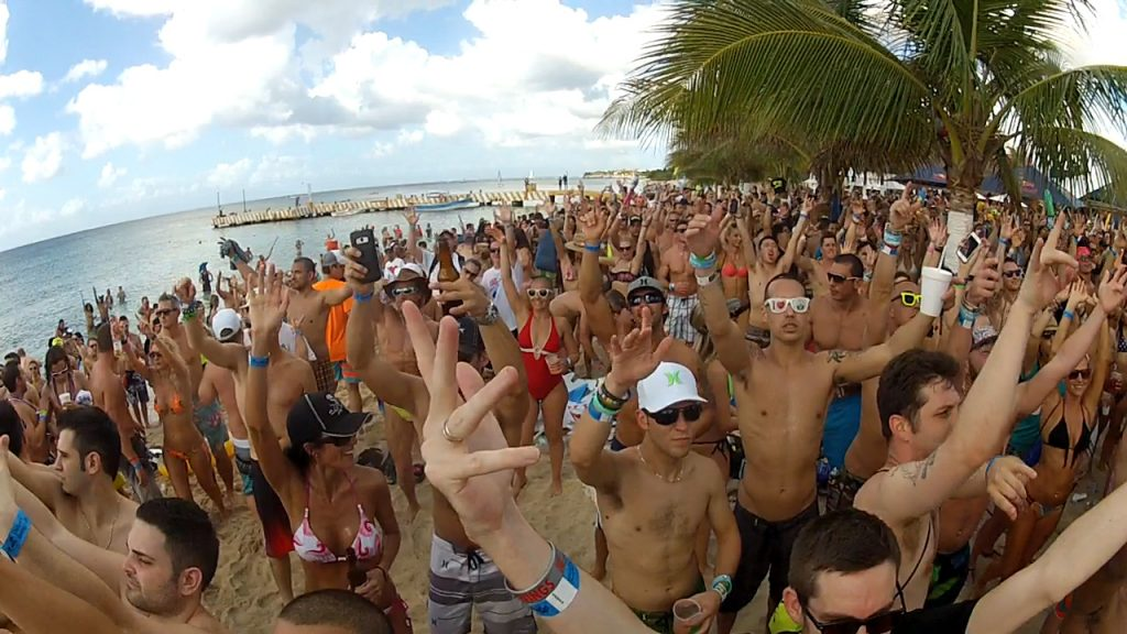 playa-mia-beach-party-2